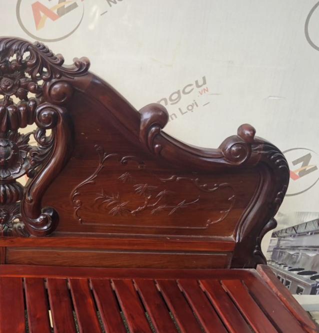 Giường gỗ Cẩm lai 1147