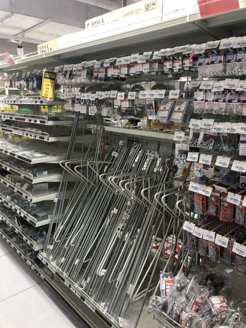 Kệ móc đồ siêu thị  SP000178