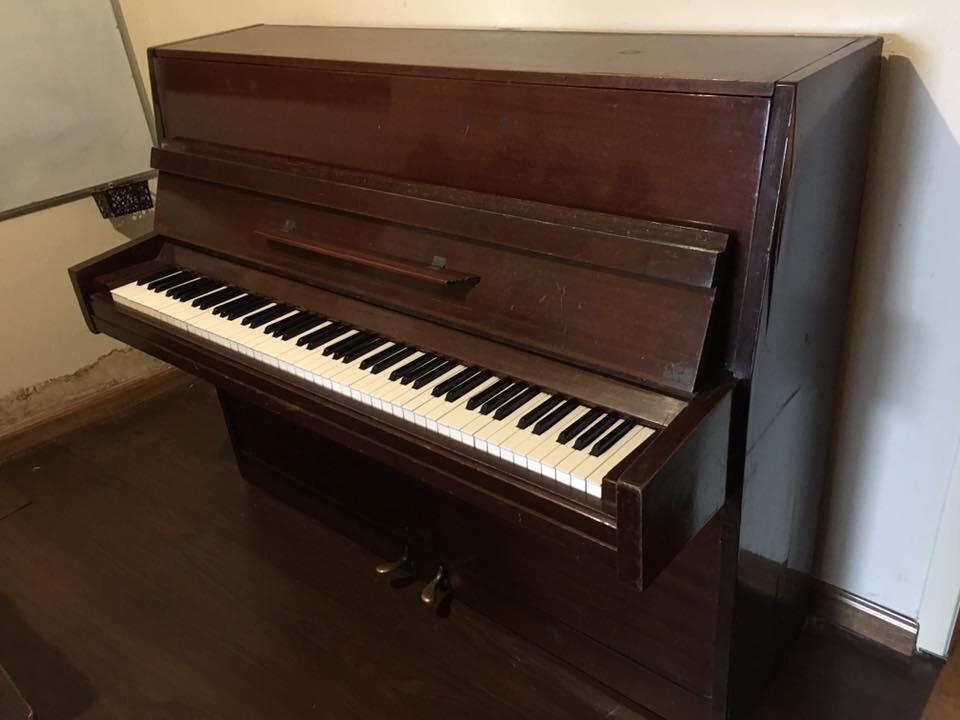 Đàn piano phím cơ 0137