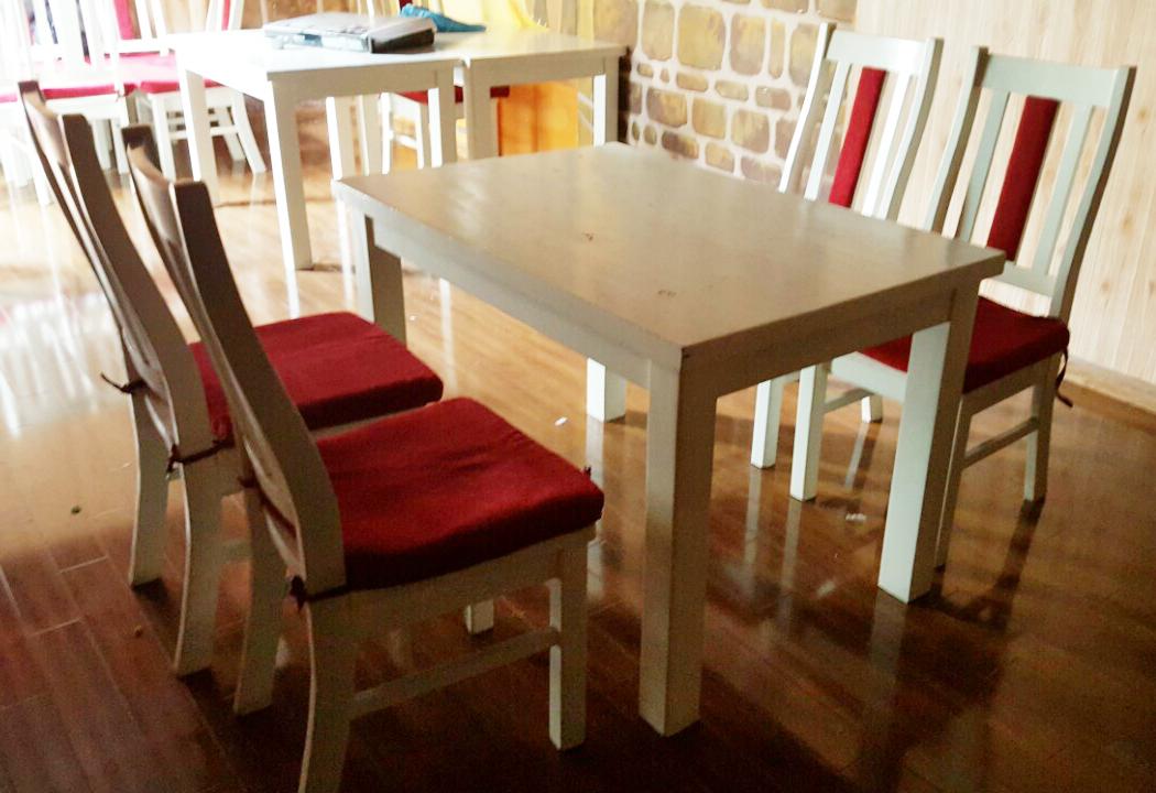 Bàn ghế gỗ cao su 782