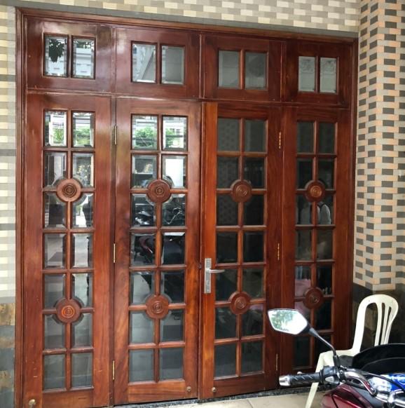 Cửa 4 cánh gỗ đỏ SP000435