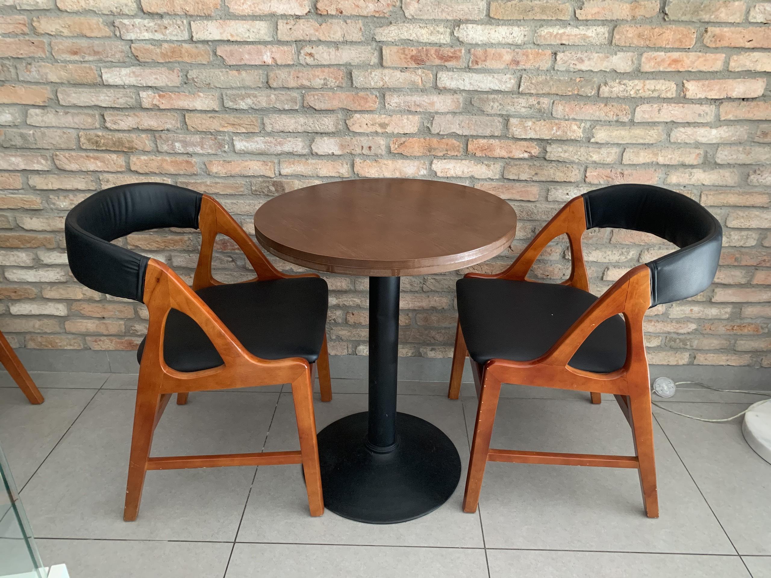 1 Bàn + 2 ghế cafe giá rẻ thanh lý SP0010223