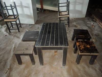 Bàn ghế quán ăn gỗ thông