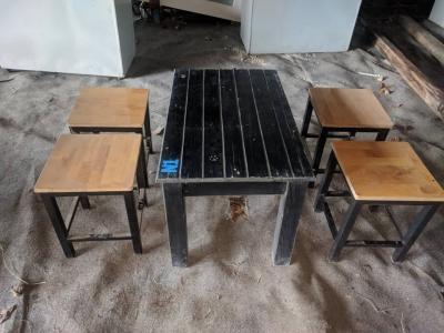 Bàn ghế gỗ chân sắt quán ăn, quán nhậu