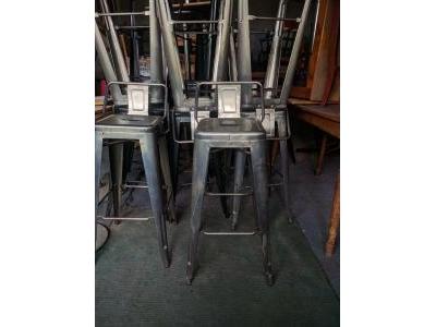 Ghế bar tolix chân cao có tựa lưng khung thép chống rỉ