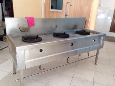 Bếp á 3 họng có vòi rửa cũ 0130