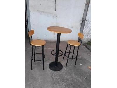 Ghế bar cao có tựa lưng