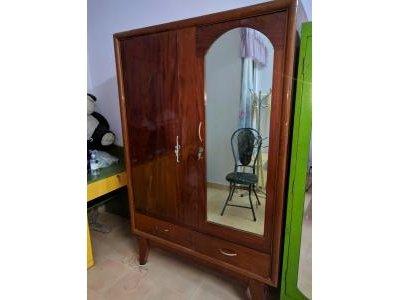 Tủ quần áo cũ gỗ tự nhiên
