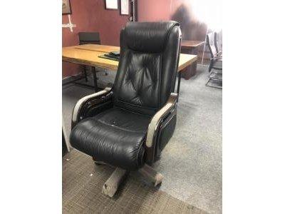Thanh lý ghế giám đốc giá rẻ