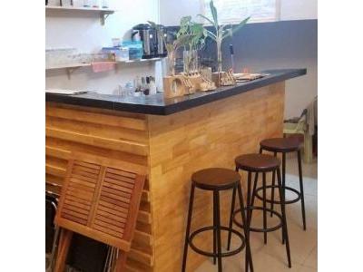 Quầy bar gỗ thông đẹp và độc