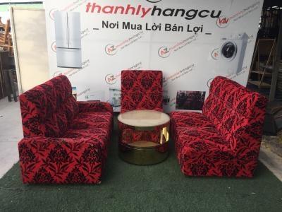 Sofa Vải Nhung Màu Đỏ In Hoa Văn