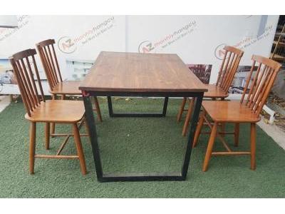 Bàn ghế cafe lưng tựa sọc gỗ