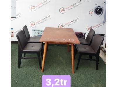 Bàn ghế gỗ cafe màu đen