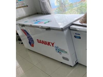 Tủ đông Inverter Sanaky 879