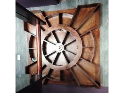 Kệ tủ rượu treo tường cũ 1139