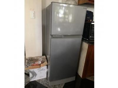 Tủ lạnh Sharp 182 lít cũ 1203
