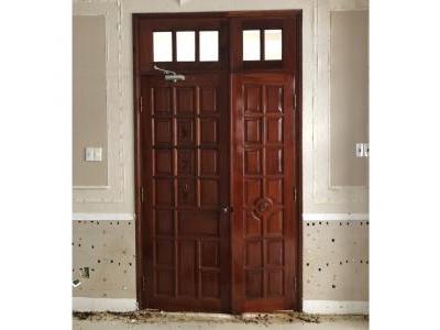 Cửa phòng gỗ đỏ 2 cánh SP000425